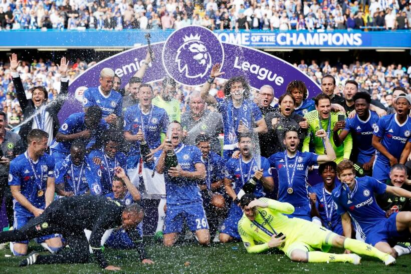 Chelsea boss Antonio Conte wins LMA Manager of the Year award