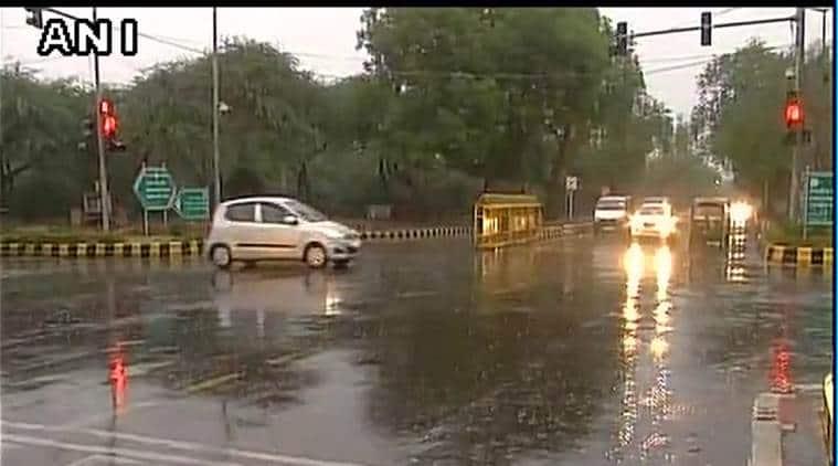 Delhi, Delhi Light Rainfall, Delhi Rains, Delhi Rainfall, Delhi Showers, Delhi Monday Rainfall, India News, Indian Express, Indian Express News