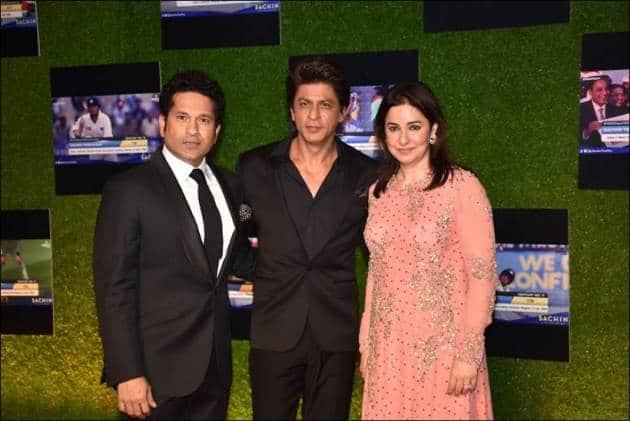 shah rukh khan, shah rukh khan sachin tendulkar, sachin a billion dreams premiere photos
