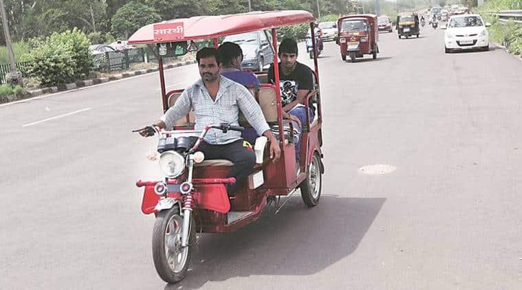 Aadhaar, Aadhaar card, Delhi, delhi e-rickshaw, E rickshaw Aadhaar, delhi news, india news