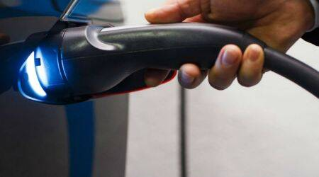 Electric cars seen suffering technology cost pains until2025