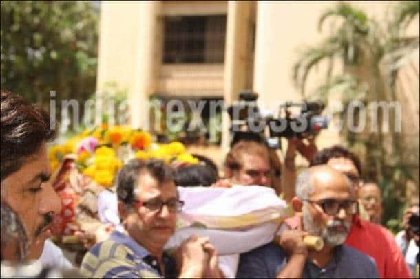 reema lagoo death reason, reema lagoo death reactions, amitabh bachchan