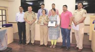 Pune city police receive FICCI Smart Policing Award 2017