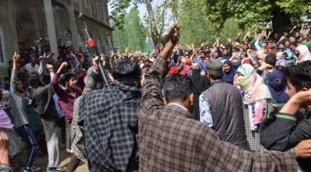 J&K: Militants give 'gun salute' to slain associate atfuneral