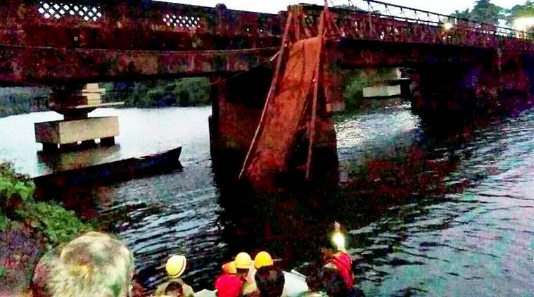 Goa bridge collapse, Diver resume search in Goa, Goa bridge collapse search, Goa Bridge collapse search news, Shekhar Prabhudesai, India news, National news,