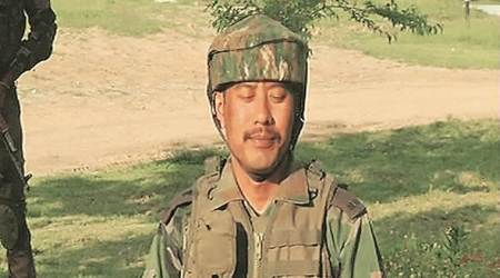 indian army, major gogoi, Gogoi, kashmir, jammu and kashmir, Bipin Rawat, Ar,y chief, major Gogoi awarded, kashmir news, india news, indian express news