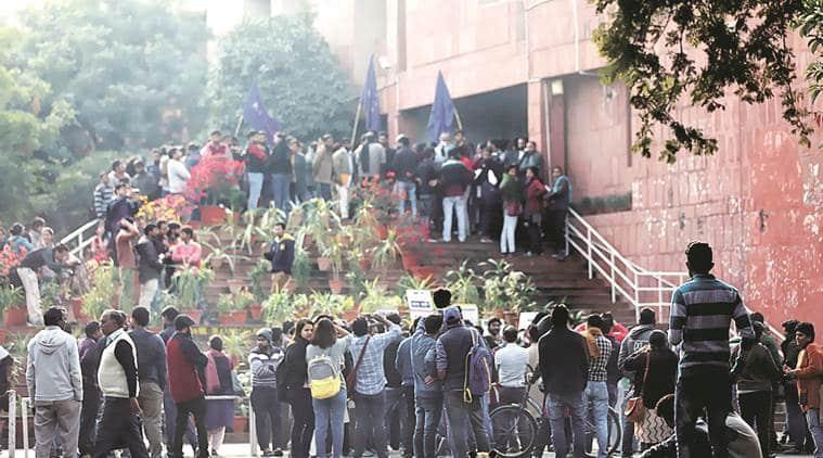JNU, JNU academic council, JNU seats, JNU admissions, JNU administration cuts admissions, JNUTA, IndianExpress