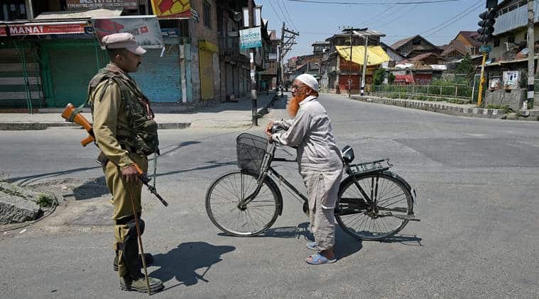 Kashmir, Srinagar unrest, Srinagar curfew, Sabzar Bhat killing