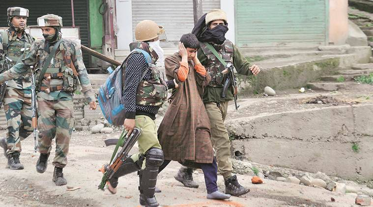 kashmir, jammu and kashmir, shopian, army, security forces, CRPF, army convoy attacked, army patrol party attacked, army, shopian, shopian encounter, shopian search operation, jammu army attacked, hizbul muzahhiddin, Bipin Rawat, police attacked in shopian, Kulgam, india news, indian express news