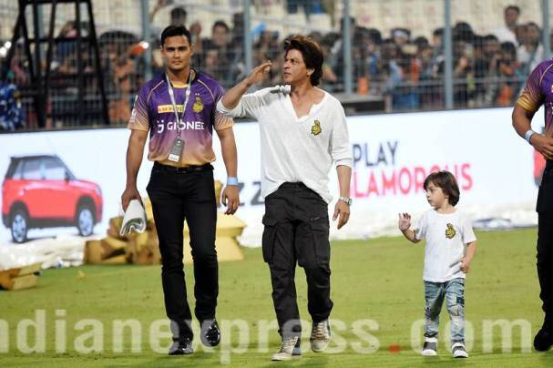 Father, friend, playmate: Dad Shah Rukh Khan's various moods with AbRam were better than the IPL match at Edens