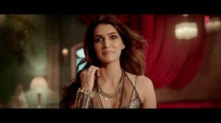 Neha Kakkars voice brings smile to my face: Kriti Sanon