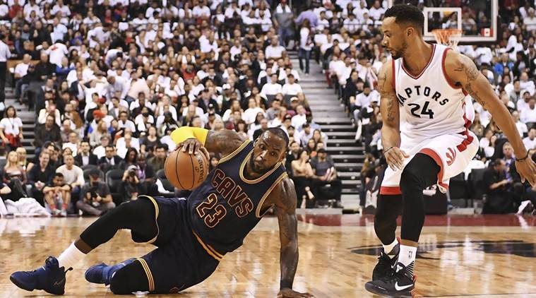 James scores 35, Cavs take lead with 115-94 victory