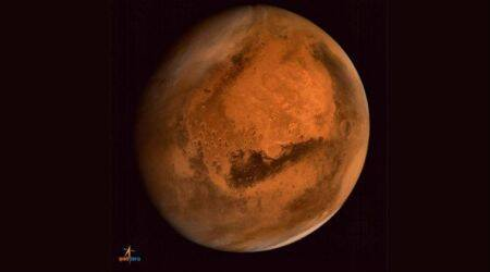 Heavy rainfall may have shaped Mars surface: Study