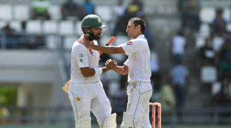 Misbah-ul-Haq and Younis Khan in tears during last day of final Test for Pakistan