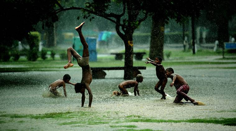 Heavy showers likely in several states in 24 hrs, says IMD