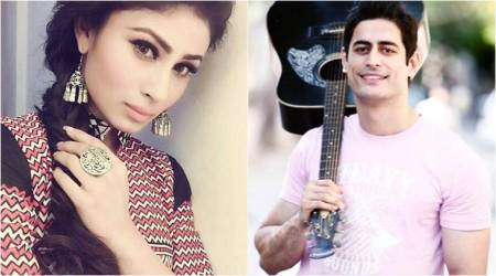 Mouni Roy is asked to name her half boyfriend, she says Shiv. Is she hinting at MohitRaina?