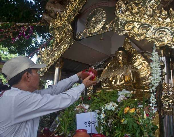 buddha purnima, buddha purnima 2017, buddha purnima wishes, buddha purnima significance, buddha purnima photos, buddha purnima celebrations, gautam buddha buddha purnima significance and history, buddha purnima 2017, gautam buddha birthday significance, indian express, indian express news, festivals news, festival today news
