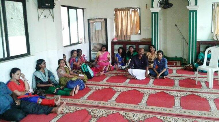 neet exam, neet exam kerala, neet kannur exam, neet viral, neet exam kerala kannur viral, neet exam kerala parents in mosque photo viral, indian express, indian express news