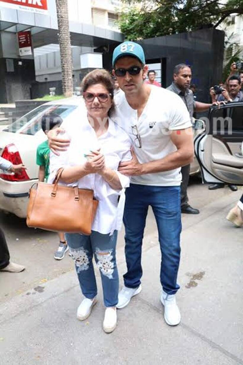 Hrithik Roshan takes mom Pinky and ex-wife Sussanne Khan on