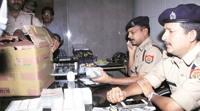 Crime news Uttar Pradesh, Unaccounted wealth recovered from UP man, Income tax department, IT department news, Latest news, India news, National news,
