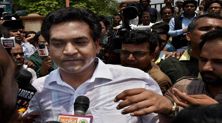 Kapil Mishra 'shares evidence' against Kejriwal in Rs 400 crore scam