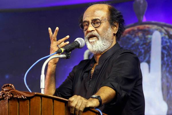 rajinikanth, 2.0, rajinikanth politics, rajinikanth meets fans, rajinikanth fans, rajinikanth news, rajinikanth joins politics, rajinikanth on politics, rajinikanth movies, entertainment news, indian express, indian express news