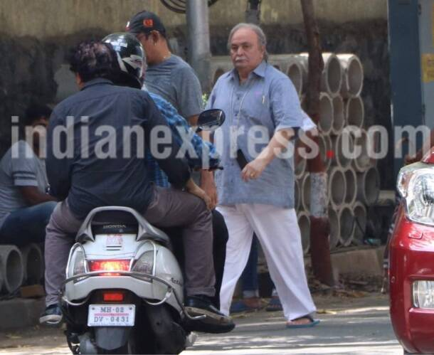 Rishi Kapoor, 102 not out movie, 102 not out movie set pics, on the sets 102 not out pics,