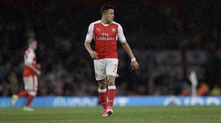 Leave Alexis Sanchez alone to make up his mind on leaving Arsenal, says Per Mertesacker