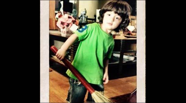 abRam shah rukh cute moments, abram khan shah rukh khan son, abRam khan date of birth, abram khan image
