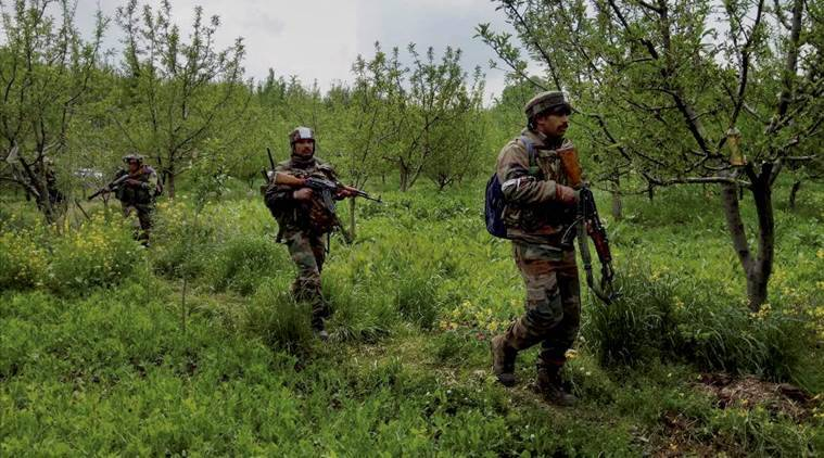 Militants decamp with five rifles in Kashmir