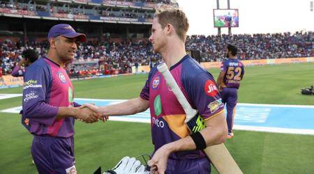 Dhoni, MS Dhoni, Steve Smith, Harsh Goenka, Dhoni RPS, RPS vs MI, Pune vs Mumbai, Rising Pune Supergiant, IPL 2017, IPL, IPL 10, Indian Premier League, Indian Express