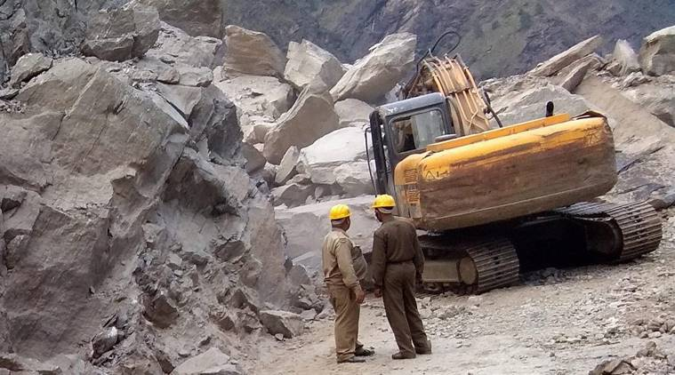 Andhra pradesh, landslide accident, Quarry death, boulders, india news, crime news, indian express news, latest news