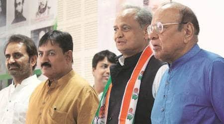 Pro-Modi slogans greet Congress netas at anti-GST stir inSurat