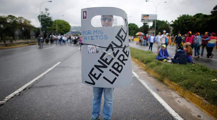 Venezuela protests, Nicolas Maduro, Maduro protests, Venezuela protest deaths, Venezuela clash, Caracas violence, world news, indian express news