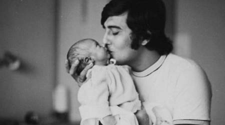 Rahul Khanna bids father Vinod Khanna final goodbye with an emotional post, see pic