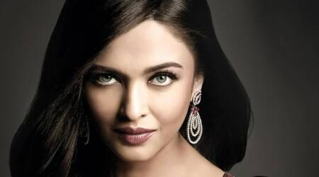 Aishwarya Rai Bachchan to play a glam singer in Fanney Khan. Would she make singing debut?