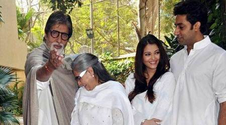 Amitabh Bachchan shares pic with Aishwarya Rai, Jaya Bachchan from family album, see photo