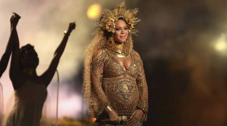 US singer Beyonce gives birth to twins