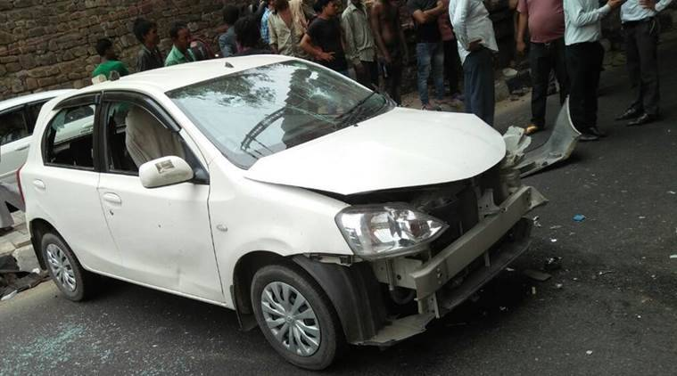 delhi car crash, delhi accident, delhi car crash