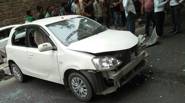 Two killed as car runs over pavement dwellers in Delhi