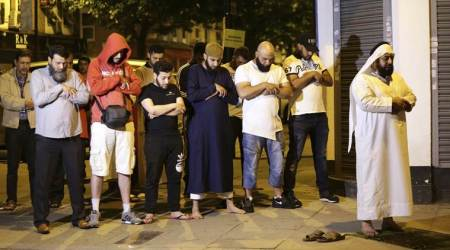 London mosque attack: Imam saves attacker who ploughed van intopedestrians
