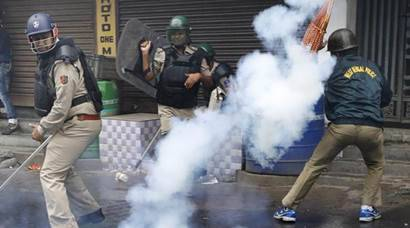 Darjeeling turns into war zone as GJM steps up agitation for separate 'Gorkhaland' state