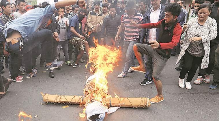 darjeeling unrest, darjeeling violence, darjeeling protest, gjm, burning effigy, dooars, bengali, gorkha land