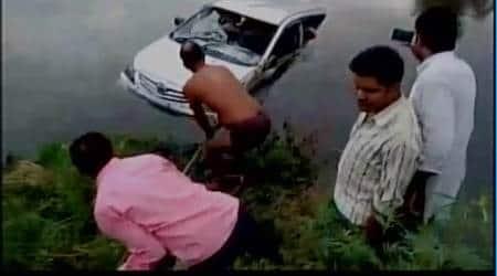 Mathura accident: 10 killed after car falls intocanal