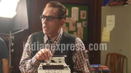 Dharmendra considers himself a newcomer in Bollywood, thinks he still has so much tolearn
