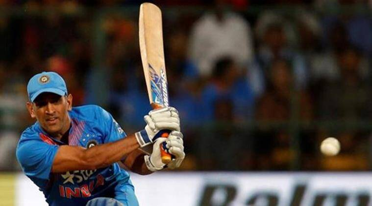 MS Dhoni, MS Dhoni best sixes, MS Dhoni career best sixes, World Cup 2011, Champions Trophy 2013