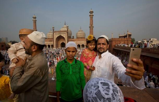 eid, selfies during eid, eid al-fitr, ramzan, eid celebrations, Indian express, Indian express news