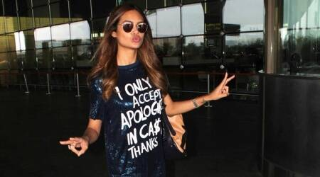 Esha Gupta's T-shirt isn't meant for everyone; you have to see it to believeit