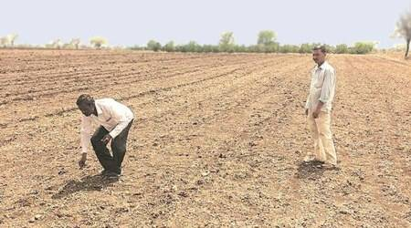 Maharashtra govt urges employees to donate day's salary for farmers' cause