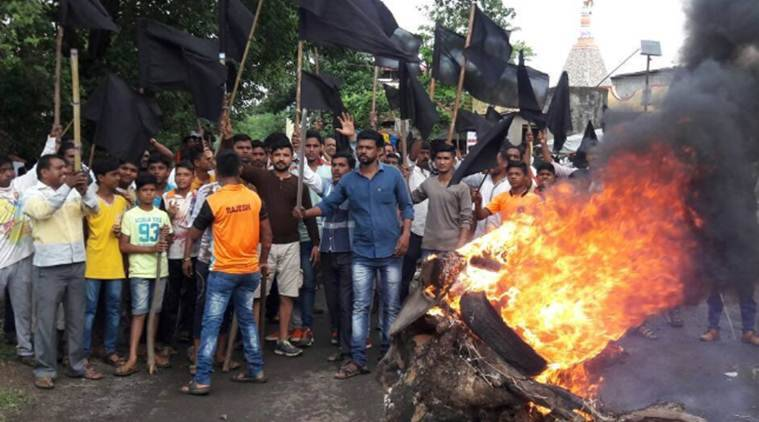 Farmers protest near Thane; cops injured in clash